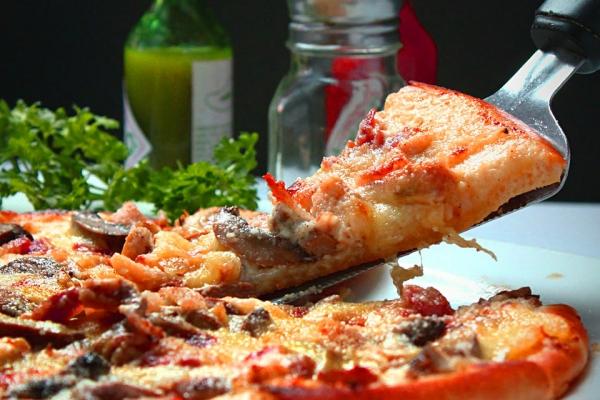pizzaE82581A0-3A47-3F07-B777-09695AD77369.jpg