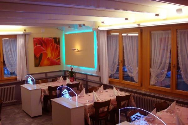 restaurant-0103DC28D6F-72D1-D67E-E380-7CFD00E97316.jpg