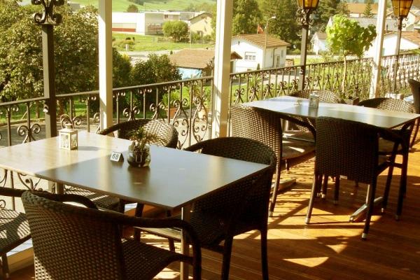 restaurant-003747B5508-A606-F6C3-9B7B-A87006C02F81.jpg