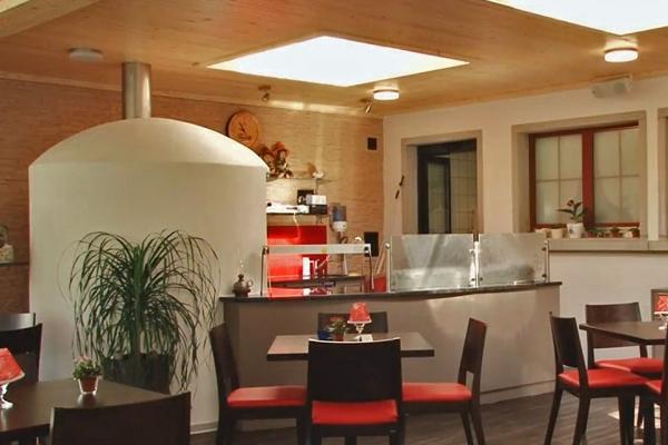 restaurant-005F8C15BB5-0354-2B26-DEBD-8F74047B1F36.jpg